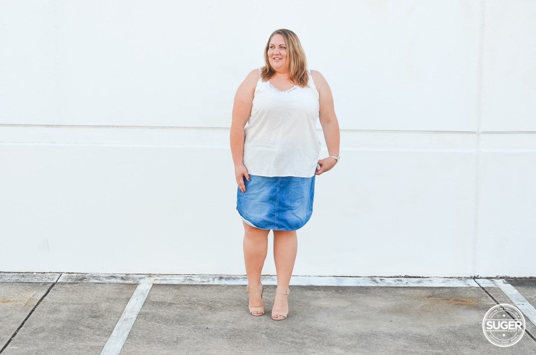 plus size white tank denim skirt casual outfit-8
