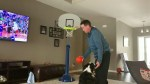 【犬猫動物動画まとめ】Dog Bounces Basketball into Hoop Off Its Nose
