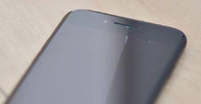 iPhoneの画面のヒビの修理