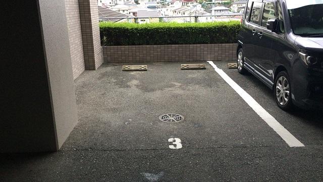 マンションの敷地内駐車場が近い