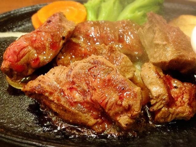ステーキの付け合わせの野菜