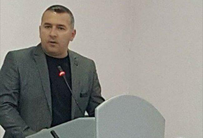 Asambleistët e Suharekës me deklaratë të përbashkët kundër aktakuzës ndaj Thaçit dhe Veselit