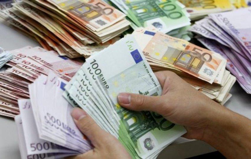 Këto janë tri bankat që japin kredi pa kamatë në Kosovë