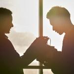 人間関係に疲れた独身27歳女性が「結婚運」を高める方法