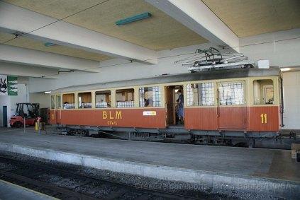 La BDe 2/4 11 (CFe 2/4 11 selon son appellation d'origine) à la gare de Mürren.