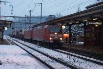Viens ensuite un train de marchandise avec une UM de 185 DB