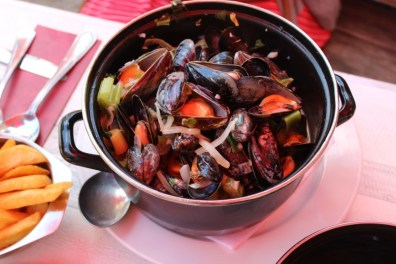 Suitcase Six MUSSELS-2 3 Days in Belgium
