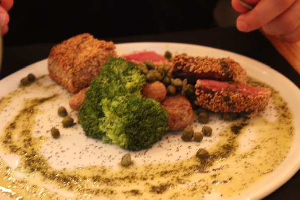 Suitcase Six tunasteak2 From Codfish to Cozido: 5 Places to Eat in the Azores