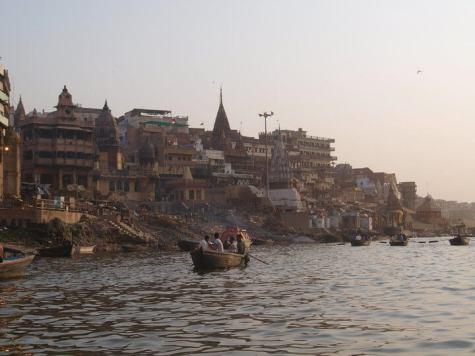 Suitcase Six Melanie-Ganges-river Wandering Women
