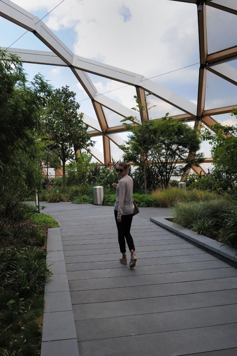 Woman of the Week: Hélène in London