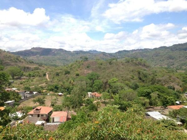 Suitcase Six Honduras GLOBAL DIRECTORY: HONDURAS