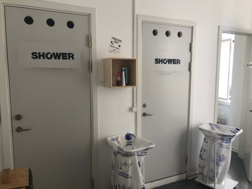 Suitcase Six Bathroom-1024x768 Globalhagen Hostel: A Top Choice in Copenhagen for Sustainable Travelers