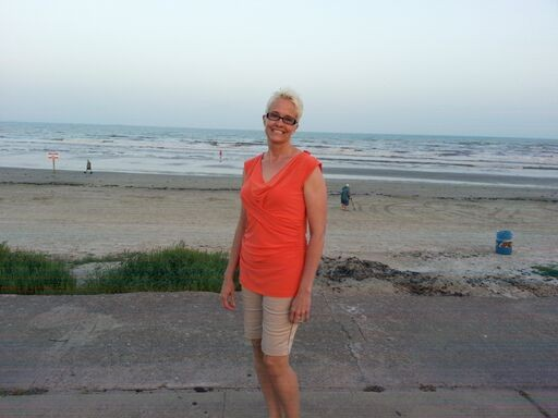 Suitcase Six LinnBeach WOMAN OF THE WEEK: INTERVIEW WITH A LIFE COACH