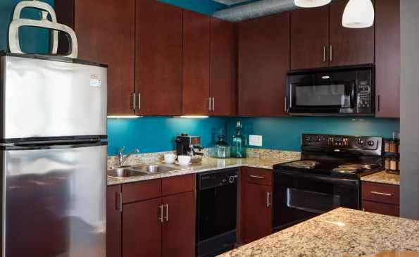99e159ab216294d0c01887be0c45786a90f01d43_900_interior_kitchen-2
