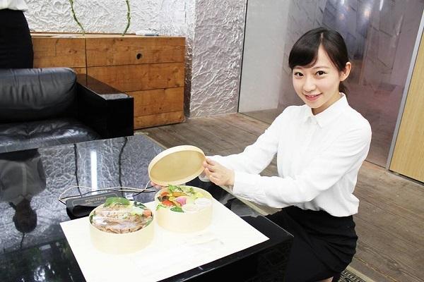 Bento Pesanan Yang Diantar Model Cantik di Tokyo 2