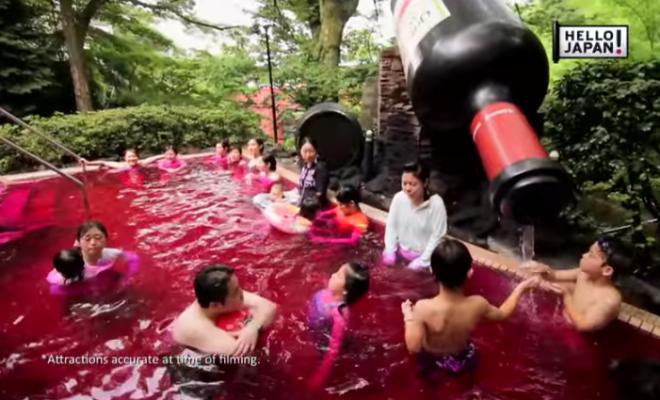 Spa di Jepang ini Menyediakan Kolam Kopi, Teh Hijau Untuk Berendam