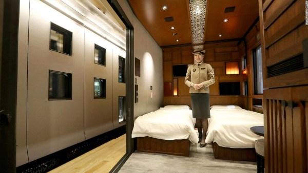 Kereta Api Khusus Orang Berduit di Jepang