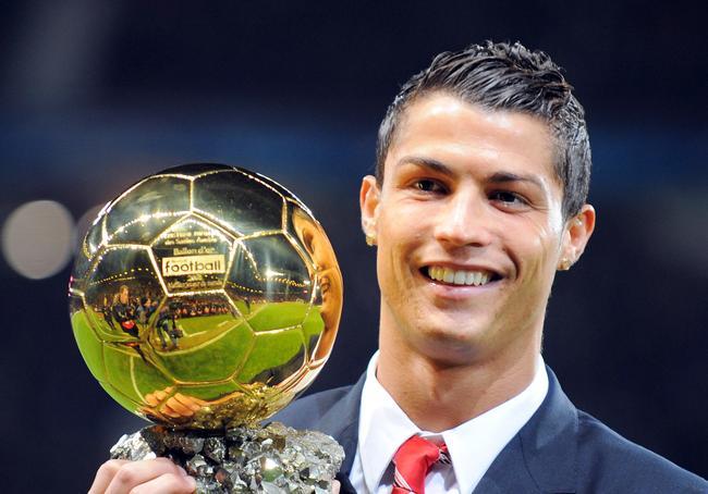 Cristiano-Ronaldo-Menang-Ballon-dOr