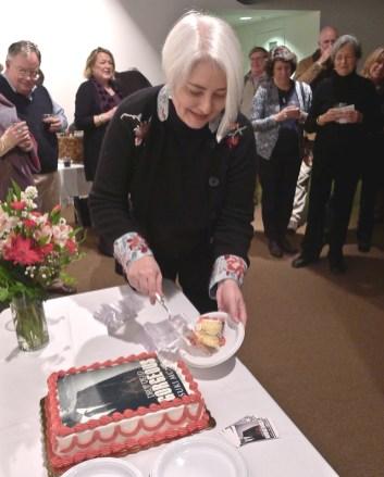 suki mcminn susan mcnabb cutting DDG cake cropped