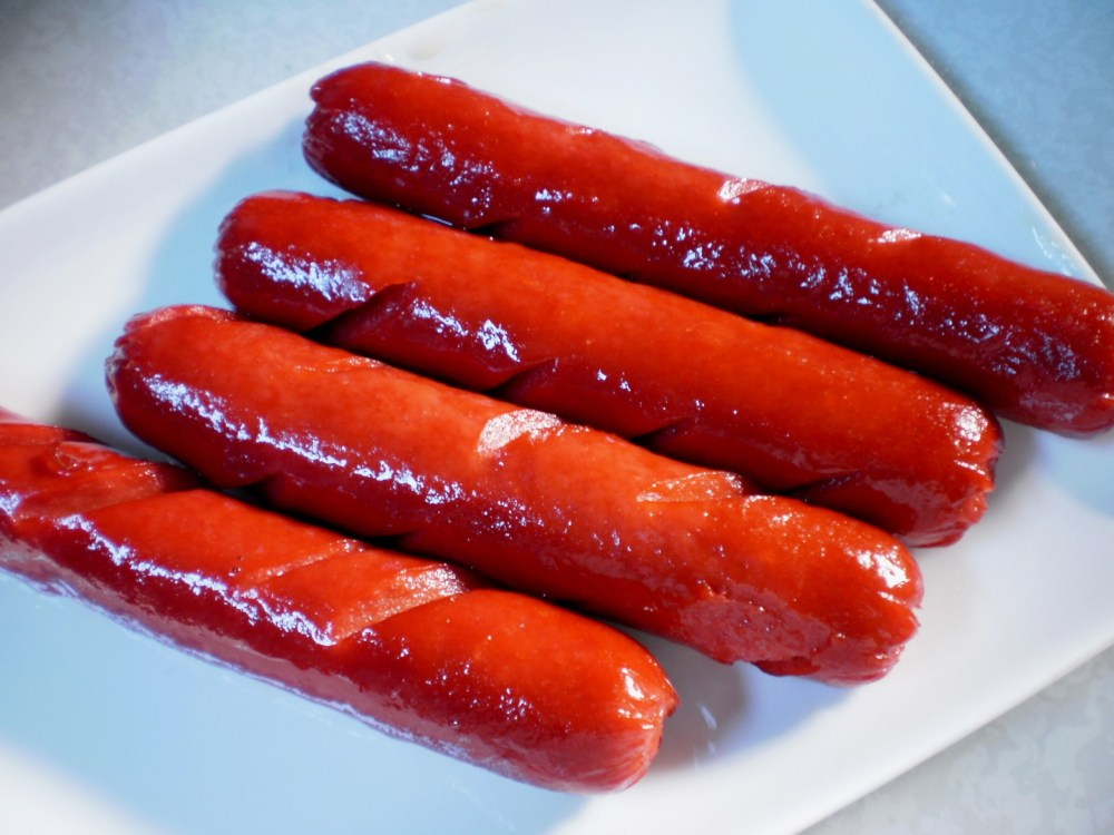 food recipe: HOW TO MAKE YOUR OWN JOLLY HOTDOG (3/6)