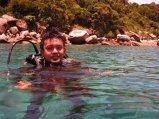 Berfoto di Pulau Selai