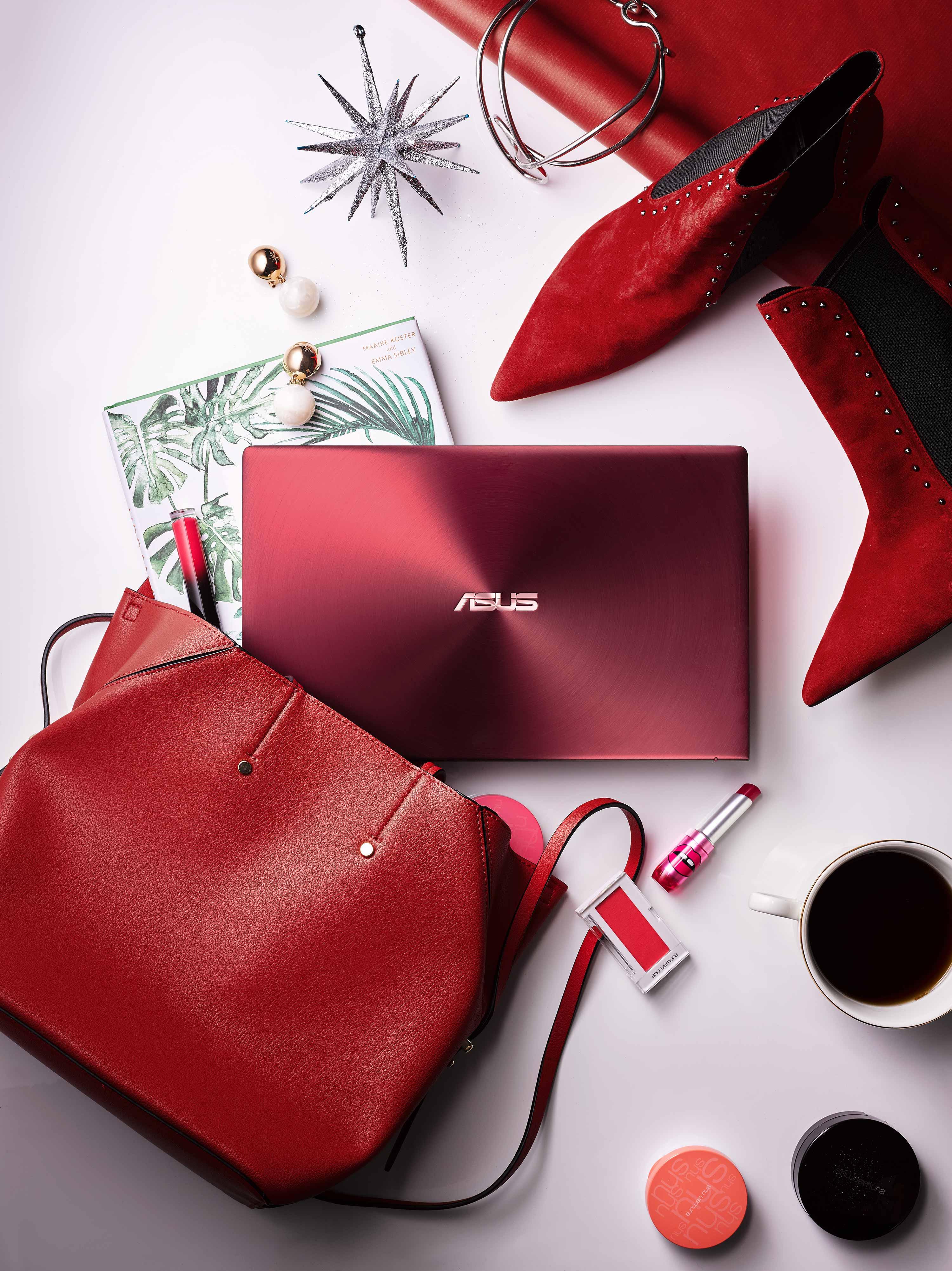 ASUS ZenBook 13勃艮第紅新色即日起上市,讓消費者擁有更多送禮選擇。