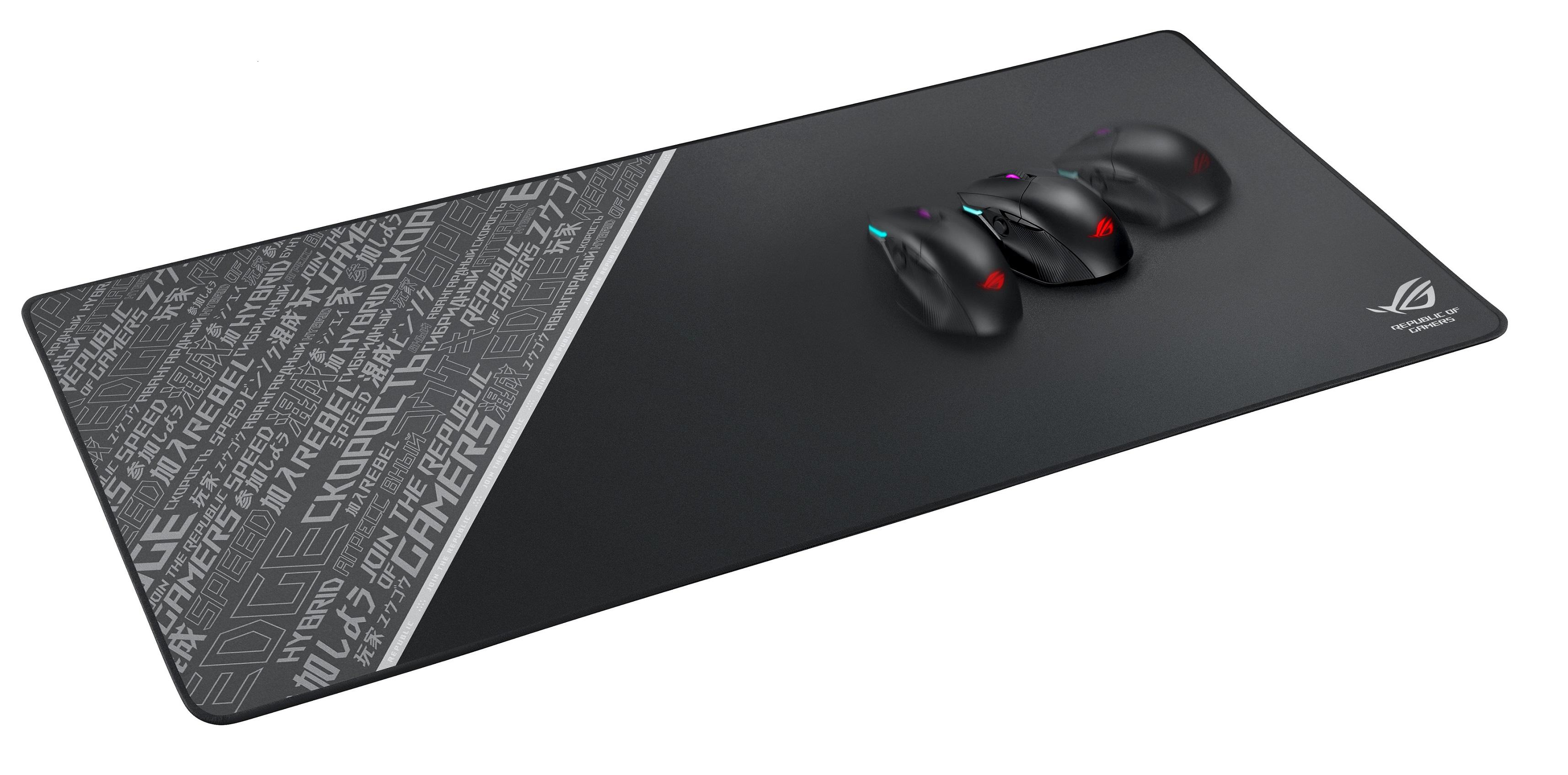 ROG Sheath BLK LTD是一款為滿足各類型滑鼠而打造的滑鼠墊,擁有900mm X 440mm的超大面積,可同時容納所有電競配備。