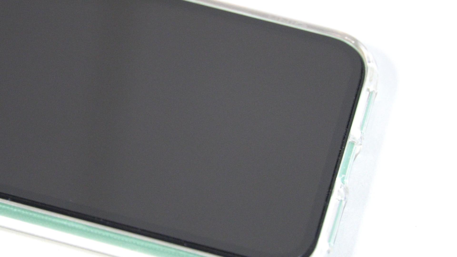 莫氏硬度9的藍寶石螢幕貼毫無刮痕