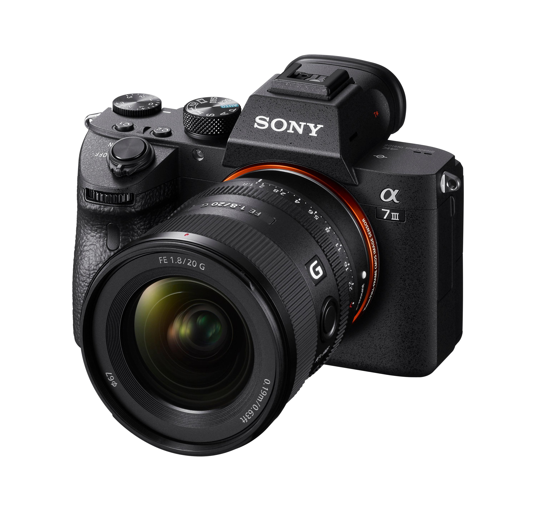 2) 具備多元符合專業拍攝與防塵防滴的鏡身設計,Sony FE 20mm F1.8 G 鏡頭擁有高度可靠性。