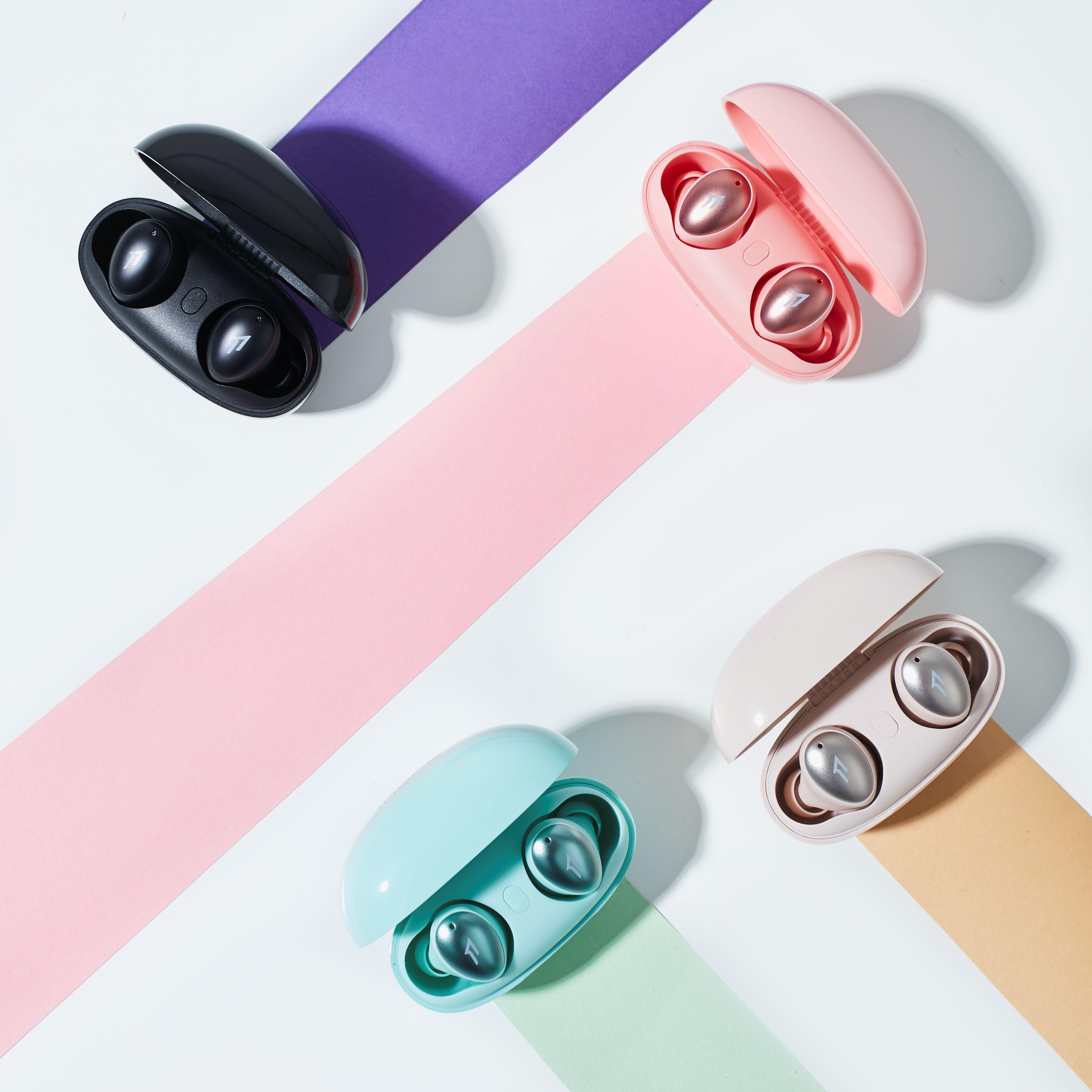 1 MORE ColorBuds時尚豆真無線耳機一次推出了4款新色設計,提供給消費者更豐富的色彩「擇」學。