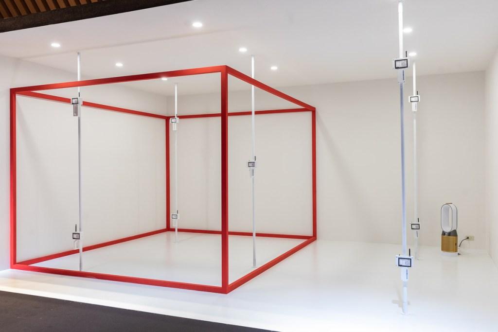 Dyson模擬實際居家環境,打造「POLAR淨化均勻度實驗室」,全面評估產品功能。