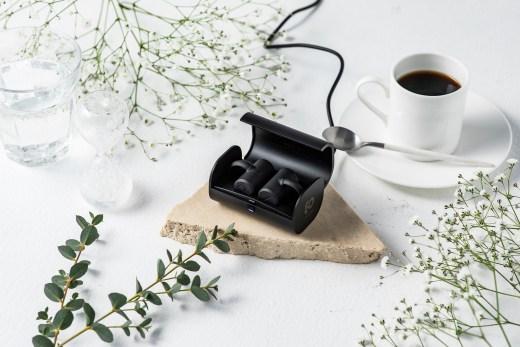 BoCo PEACE首創T型機身設計實現骨傳導耳機真無線化,完美貼合不易脫落。全機皆為日本設計與製造,擁有最高日本品質