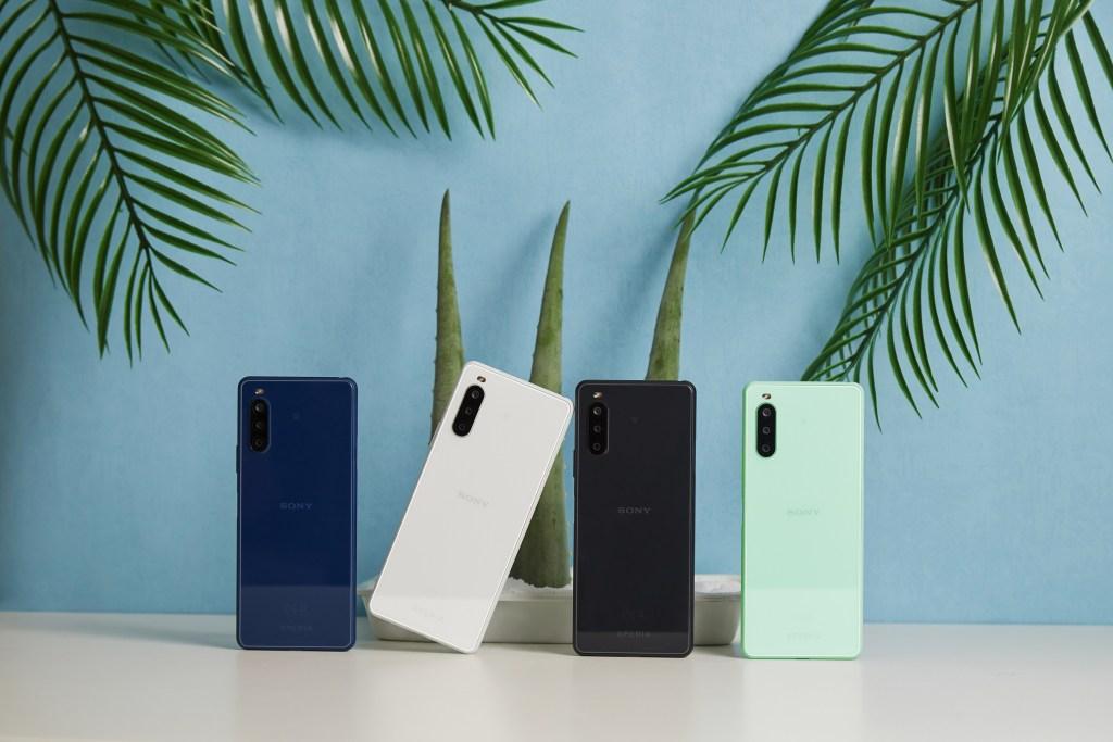 主打防塵防水、4K高畫質動態錄影功能的中階手機Sony Xperia 10 II,現在萬元有找