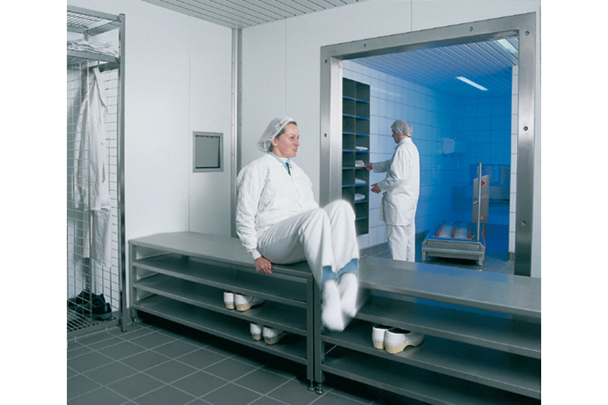 Wardrobe Facilities In Stainless Steel Sulbana Ag