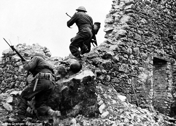 """From Anzio to Monte Cassino"" - Daily Mail Newspapers"