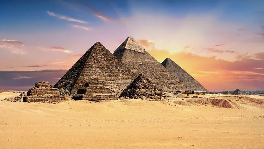 Tramonto piramidi