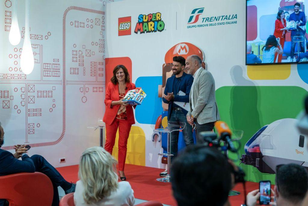 presentazione del kit Lego Super Mario
