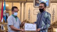 PT Maruki Serahkan Bantuan 30.000 Masker Medis untuk Sulsel