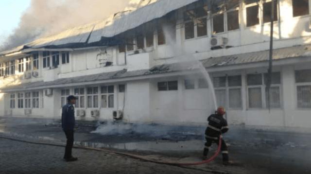 Dinkes Provinsi Terbakar