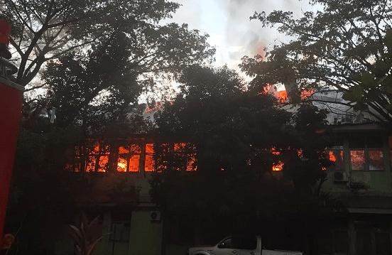 Kebakaran yang melanda kantor Dinkes Sulsel