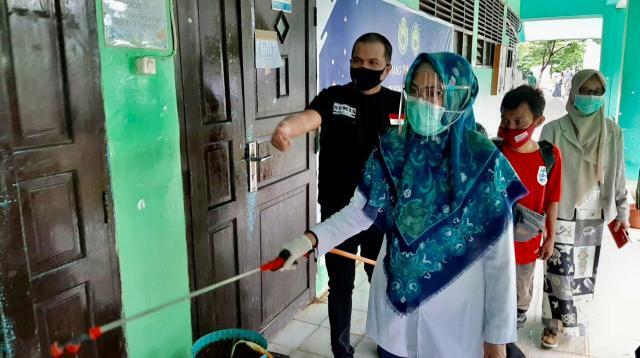 Rektor UIM Makassar Andi Majdah M Zain