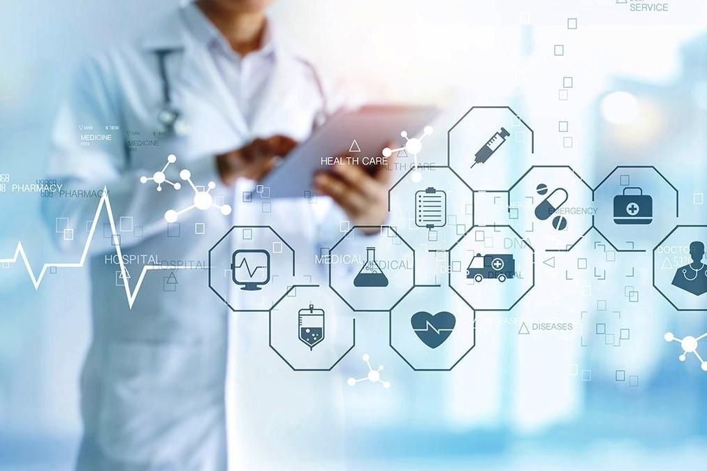 Ilustrasi layanan kesehatan berbasis digital.