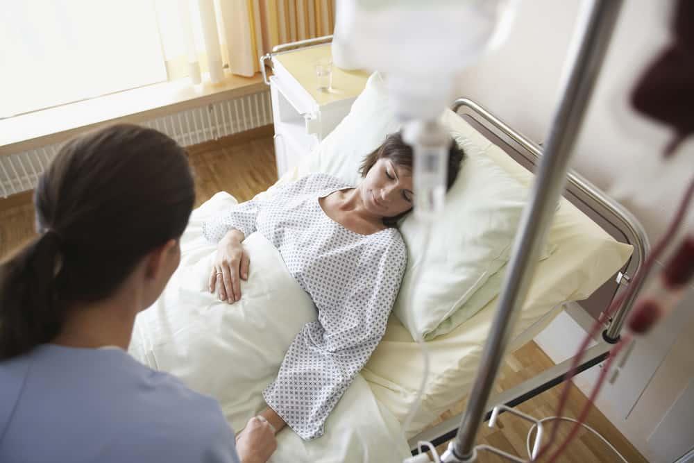 Ilustrasi pengobatan Covid-19 dan pasien TBC.