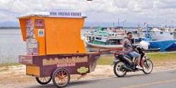 Kisah Gani, Tarik 'Perahu' di Daratan Kendari Berisi Ilmu Pengetahuan