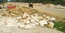 Kontraktor: Talud Pakai Batu Gunung, Hanya Putih Mirip Batu Kapur