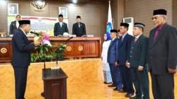Pelantikan anggota DPRD Wakatobi hasil PAW, Kamis (28/3/2019). (Foto: Amran Mustar Ode/SULTRAKINI.COM)