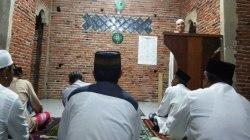 Bupati Butur, Abu Hasan saat menyampaikan ceramah di Mesjid Al-Ikhlas Desa Kadacua, Kecamatan Kulisusu, Sabtu (25/5/2019). (Foto: Ardian Saban/SULTRAKINI.COM).