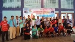 Foto bersama pengurus PTMSI bersama KONI Sultra dan para atlet di kejuaraan Sultra Cup III Open Tourbament 2019. (Foto: Muh Yusuf/SULTRAKINI.COM).