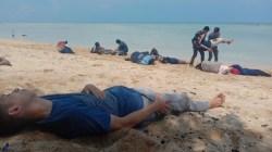 Simulasi bencana penanganan korban tsunami yang dilakukan oleh mahasiswa Stikes Karya Kesehatan Kendari (Foto: Hasrul Tamrin/SULTRAKINI.COM)