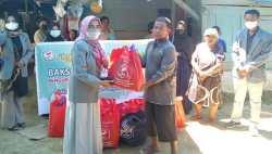 Sambut Berkah Ramadan, IAI Sultra Sasar Kompleks Pemulung Berbagi Paket Sembako